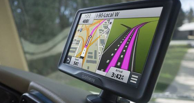 Driving safely with a Sat Nav - Topclass Driving School