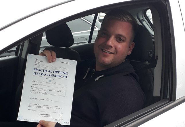 Driving Lesson Test Pass in Maidstone – Zachary Knight